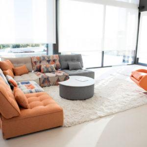Arianne Love Fama sofá